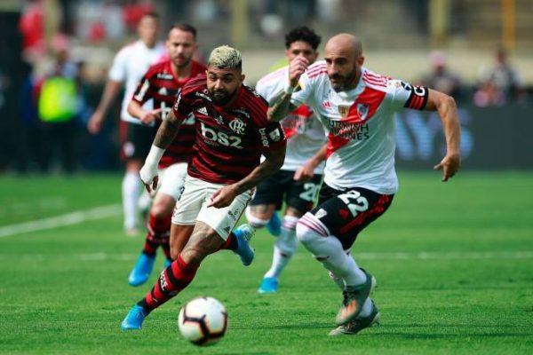 HERÓI Gabigol marcou dois gols nos últimos minutos da partida para virar o jogo e dar o título ao rubro-negro (Daniel ApuyGetty Images)