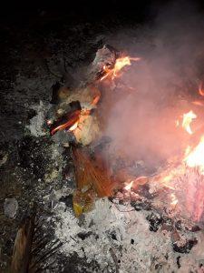 Merenda escolar sendo queimada em Serrano do Maranhão