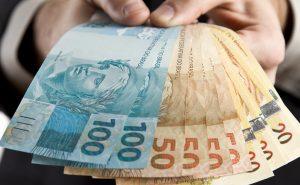Salario e terço de ferias em atraso