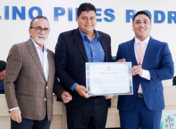 Desembargador José Luis Almeida, Representante do VIVAPROCON Henrique Chaves e o Juiz Douglas Lima da Guia