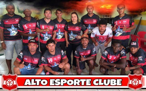Valdinan e Jadeco uniforme do time do Auto Esporte
