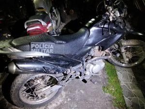 """Operações do 25º BPM no """"Gueto"""" resulta em apreensão de uma pistola, drogas e motocicleta roubada em Cururupu"""